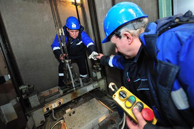 Лифт с полицейскими упал в шахту на юго-востоке Москвы