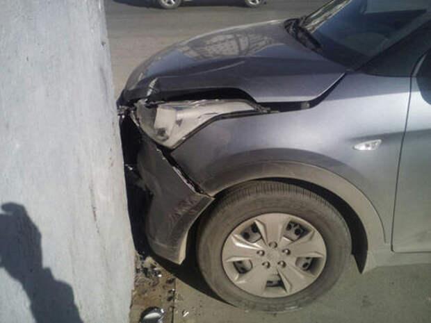 В Сочи пассажир избил водителя и угнал его автомобиль