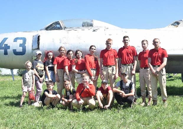 Юнармейцам провели экскурсию по музею дальней авиации в Саратовской области