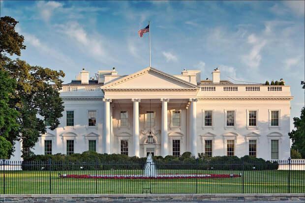 Белый дом запросил у конгресса миллиард долларов на эвакуацию афганских приспешников США