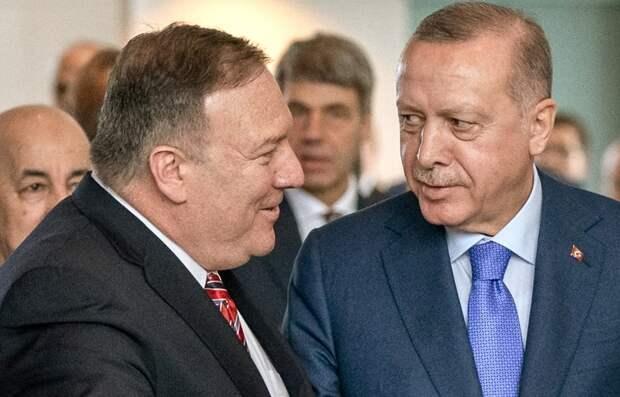 Помпео заявил, что санкции в отношении Турции из-за C-400 направлены против России
