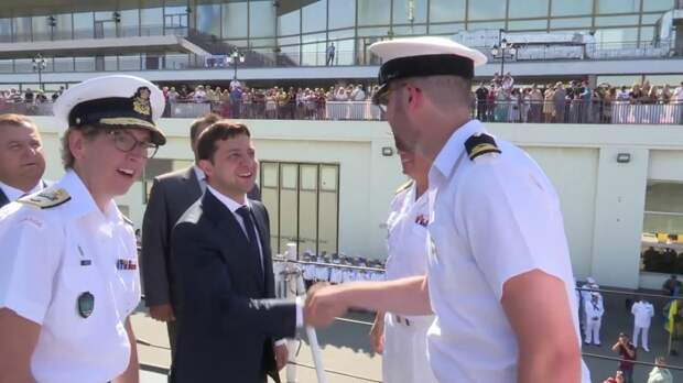 Российский эксперт высмеял объявленное Зеленским строительство военных баз на Чёрном море