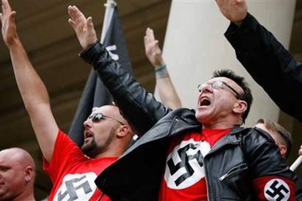 Не против неонацизма:  Одним словом, приехали…