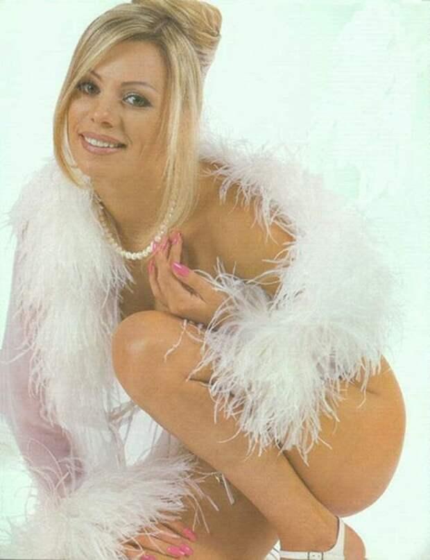 Популярная в 90-ых певица Ирина Салтыкова во всей своей красе.