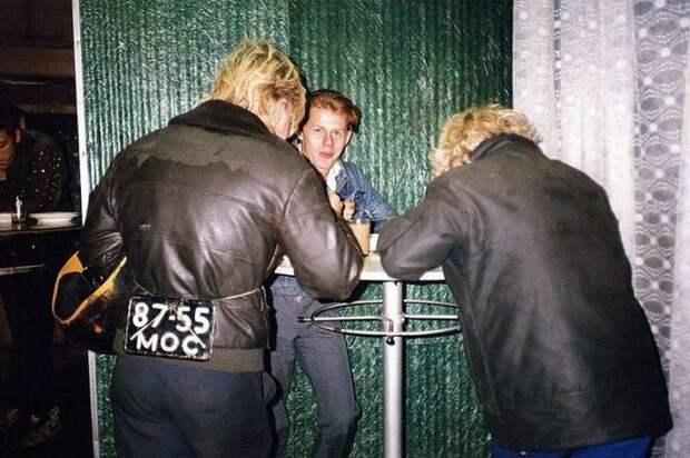 От рокеров до байкеров: фотографии Москвы конца 80-х