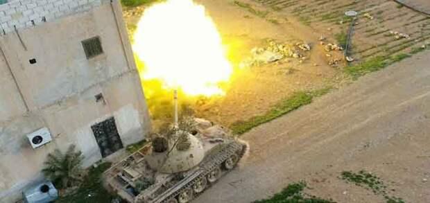 """Террористы отражают наступление """"Тигров"""" на авиабазу Джира"""
