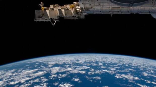 «Роскосмос» заявил о возможности сближения российского и японского спутника н...