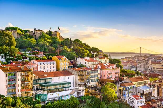 Когда мы будем жить лучше Португалии, как избавиться от долгов и кто является бедным в России