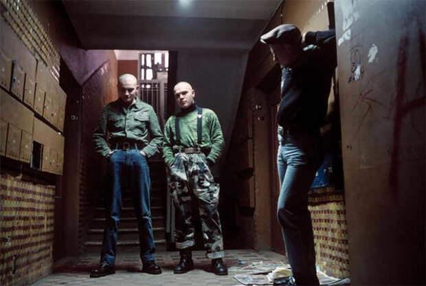 Гопники 90-х. Фото Лиз Сарфати с сайта https://glancejournal.ru