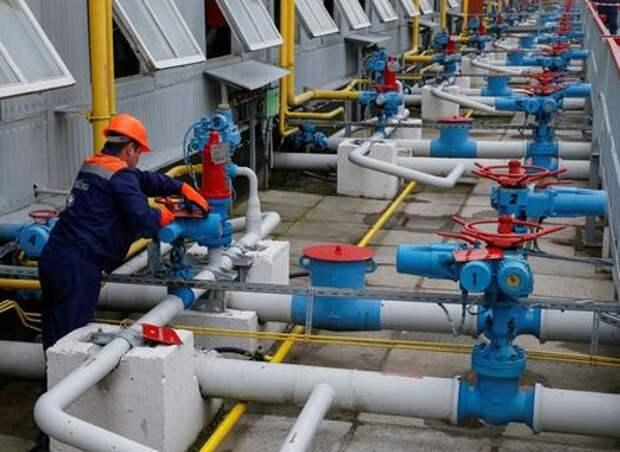 """""""Газпром"""" забронировал на июнь допмощности для транзита через Украину в 15 млн кубометров в cутки"""