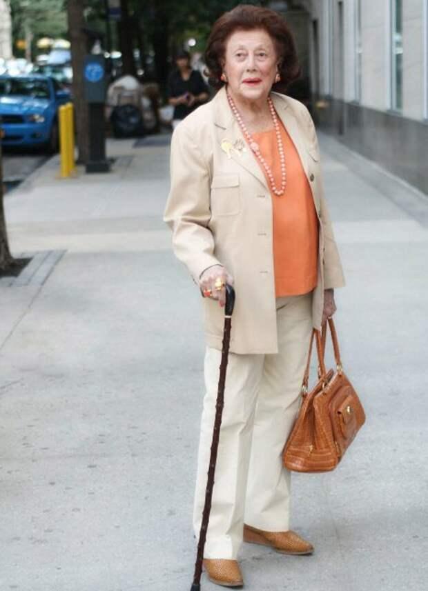 Как модно и стильно одеваться женщине элегантного возраста