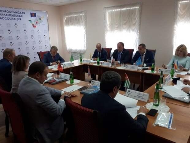 Комитет ЮРПА поддержал инициативу Государственного Совета Крыма о внедрении мер господдержки сферы отдыха и оздоровления детей