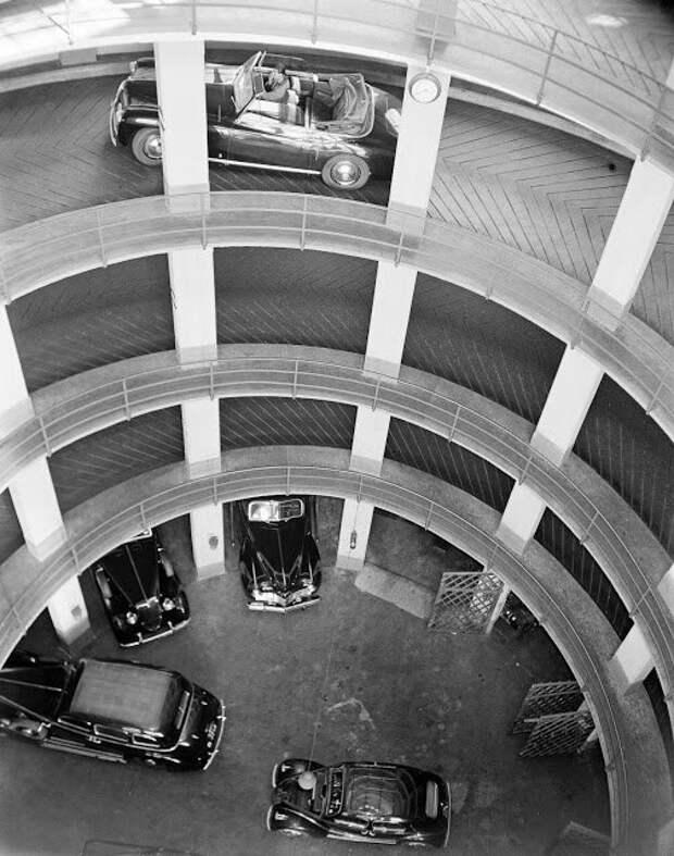 Венеция, Италия, 1950 авто, автомобили, архив, из прошлого, машины, парковка, прошлое, ретро