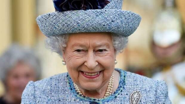 Оказывается, Елизавета II правит не только в Великобритании. Вот еще 15 стран