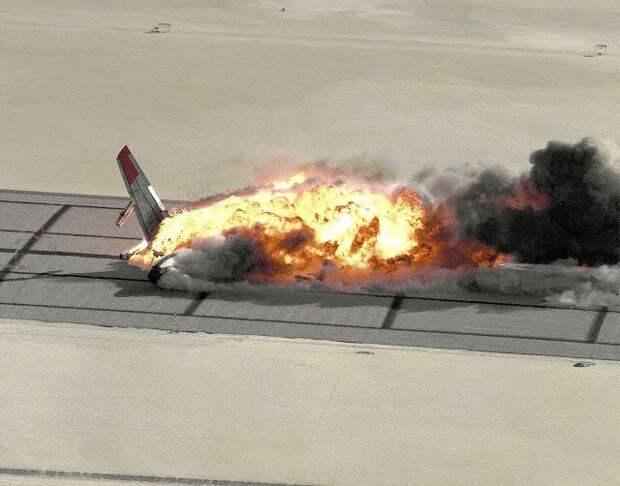 Как НАСА взорвали Боинг, чтобы изучить крушение самолета снаружи и изнутри