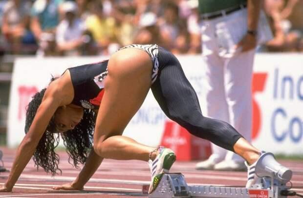 Флоренс Гриффит–Джойнер во время отбора на Олимпиаду, США, 1988 год.