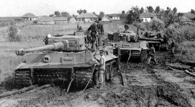 Фанерные войска: как муляжи танков и самолетов сберегли жизни солдат Красной армии
