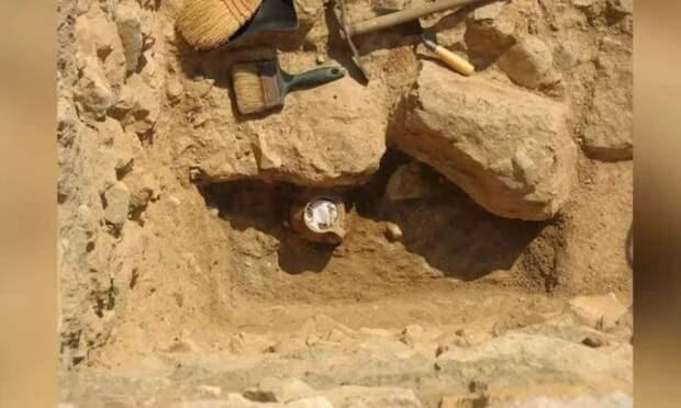 В Афинах нашли кувшин с древним «проклятием»