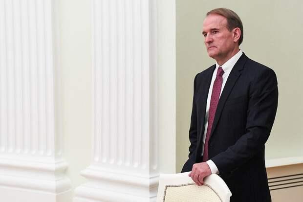 Представитель офиса Зеленского: куму Путина не удастся скрыться от суда