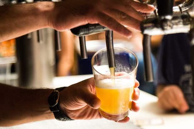 В Удмуртии запретят продавать алкоголь в небольших барах, расположенных в многоквартирных домах