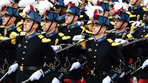 Запад ждет судьба СССР. Спасет ли армия Францию?