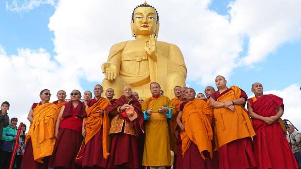 5 самых больших буддистских изображений в России (ФОТО)