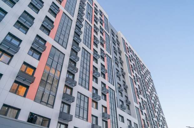 Видео: в Северном Тушине заселяют новый дом по реновации