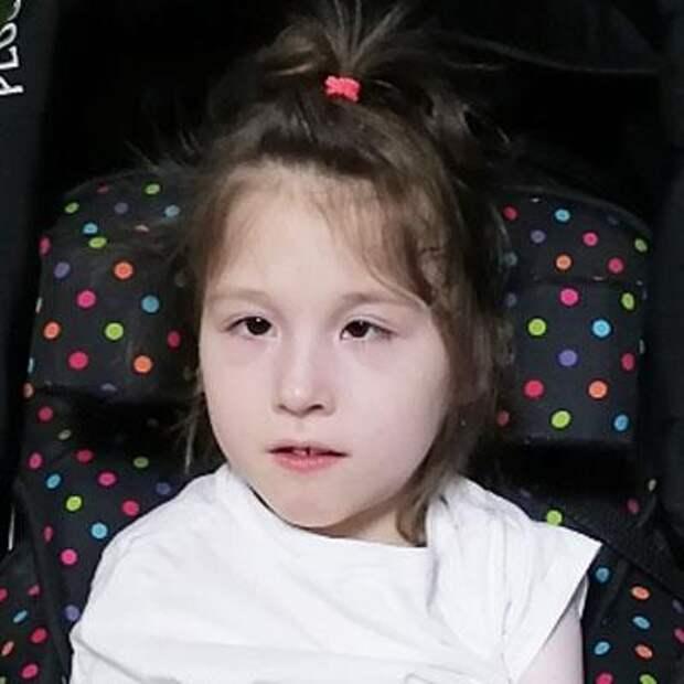 Восьмилетней Снежане из Иркутска собирают средства на лечение