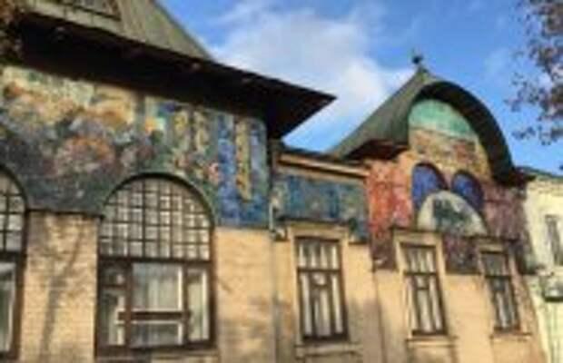 Архитектура: Где в российской глубинке находится мини-копия столичного Ярославского вокзала: Особняк помещика Шаронова
