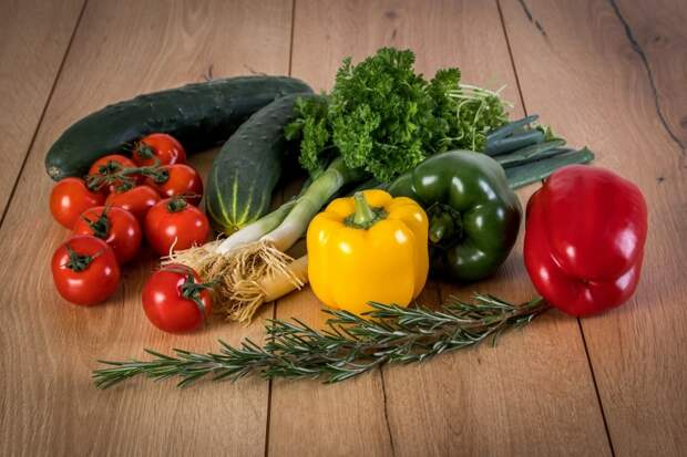 Будет заметно больше помидоров и перцев, если таким способом удобрите кусты