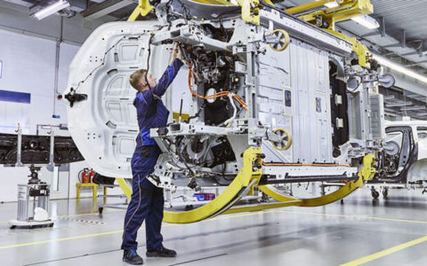 BMW готовится к росту авторынка