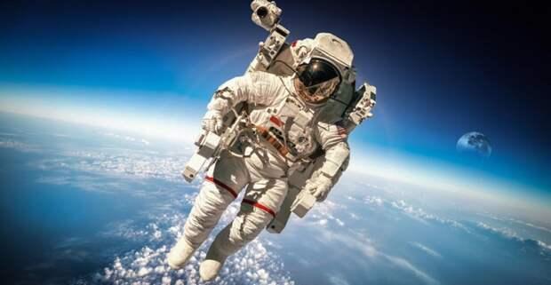 Слетать в космос с миллиардером стоит 28 млн долларов - место уже купили
