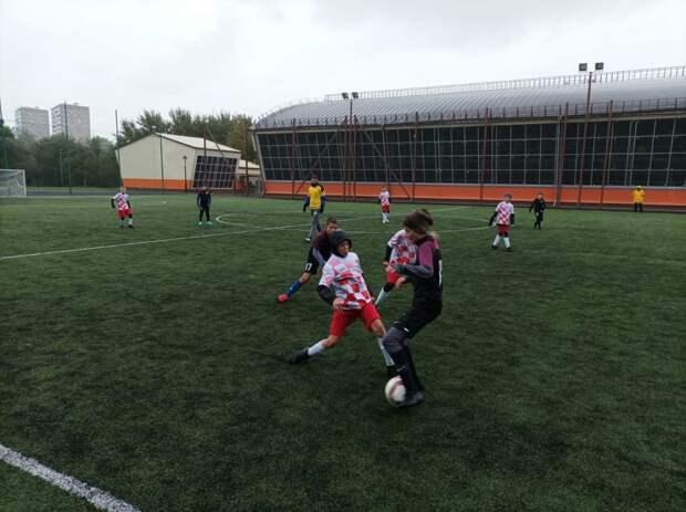 Футбольная команда «Буря» из Бабушкинского завоевала «золото» в окружном турнире
