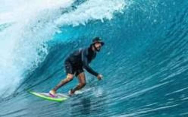 Тимати улетел на Мальдивы покорять волну