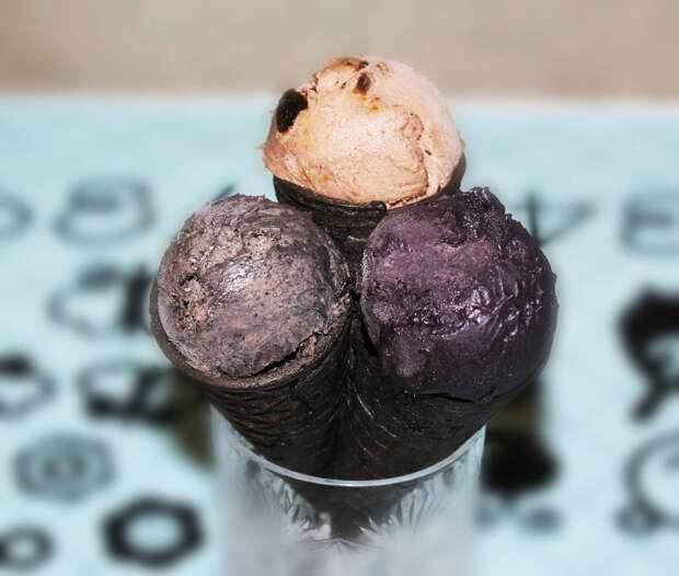 Готовим самое черное мороженое!