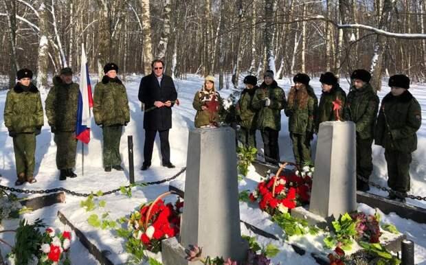 Мемориально-патронатная акция прошла в Алешкинском лесу
