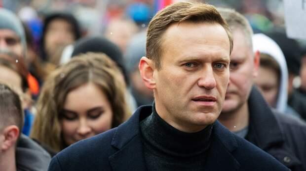 А. Емельяненко назвал Навального агентом США: «Они ему платят деньги за то, что он существует»