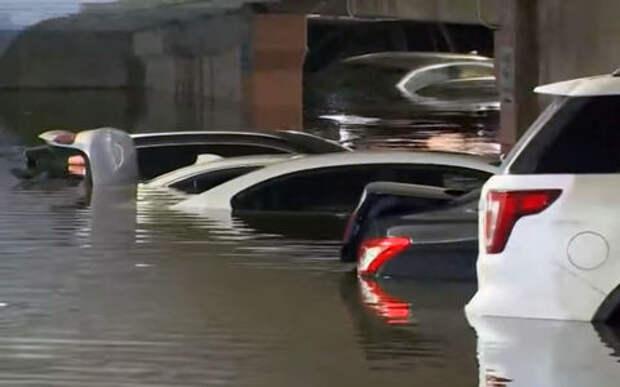 Как утопить автомобили: нужны ливни и криворукие инженеры