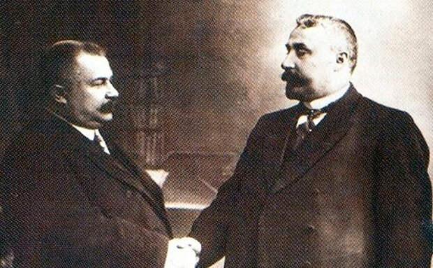 Аркадий Кошко (справа) и начальник Петербургской сыскной полиции Владимир Филиппов.