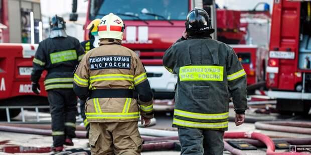 Спасатели ликвидировали пожар в коммуналке на улице Расковой