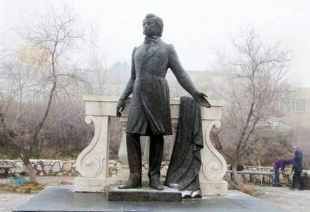 В Улан-Удэ приступили к реконструкции сквера Пушкина