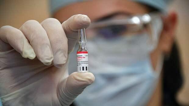 """США заметили усиление влияния России в мире благодаря вакцине """"Спутник V"""""""
