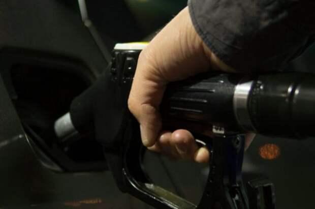 Запасы бензина и дизеля в РФ достигли рекордного за два года уровня