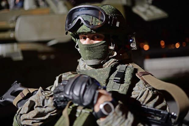 """Войска получили почти 300 тысяч комплектов """"Ратник"""" за восемь лет"""