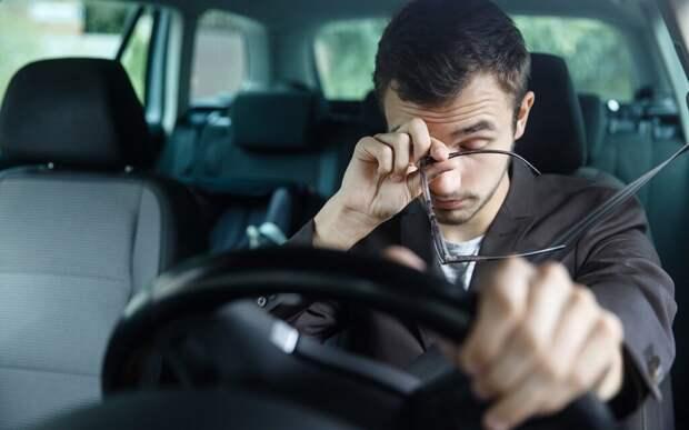 Как не заснуть за рулем в долгой дороге? 5 полезных советов