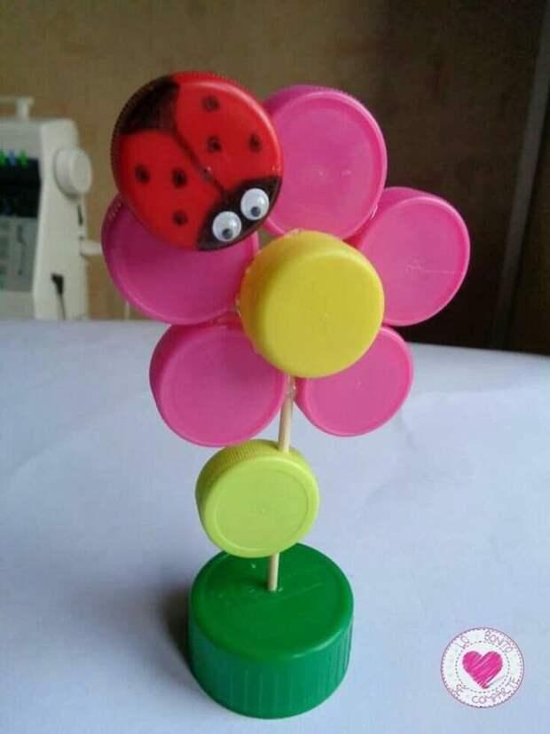 Детское творчество из крышечек от бутылок: с мыслью о чистой планете!