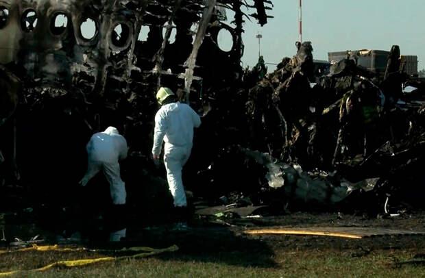 Год назад в Шереметьево сгорел Superjet, погиб 41 человек. Пилот впервые рассказывает о трагедии