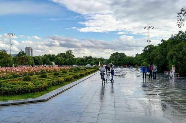 Синоптик предсказал москвичам дождливые выходные