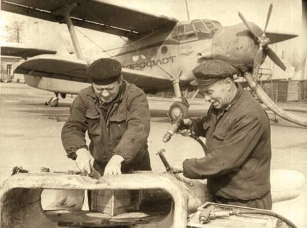 самолет ан-2сх, ремонт авиационной техники, харьковский аэропорт
