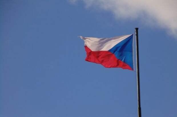 Премьер Чехии убедил главу Минюста насчет одной версии взрывов в Врбетице